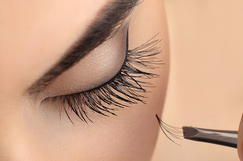 V Attractive Nails & Spa Eyelash Extensions